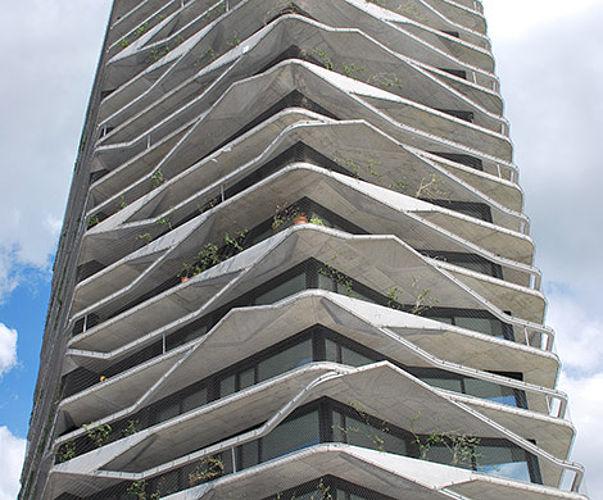 Absturzsicherung an der Fassade X-TEND Edelstahl-Seilnetz