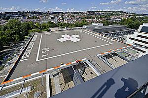 ubschrauberlandeplatz Klinikum Pforzheim horizontale Absturzsicherung X-TEND Edelstahl-Seilnetz I-SYS Edelstahl-Seilsystem