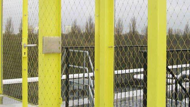 NL_Amsterdam_Yellow Mesh X-TEND, door in the mesh