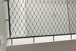 Stab Befestigung Treppensicherung mit X-TEND Edelstahl-Seilnetz