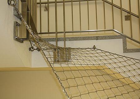 Schutznetze Horizontal und Geländer Treppenauge