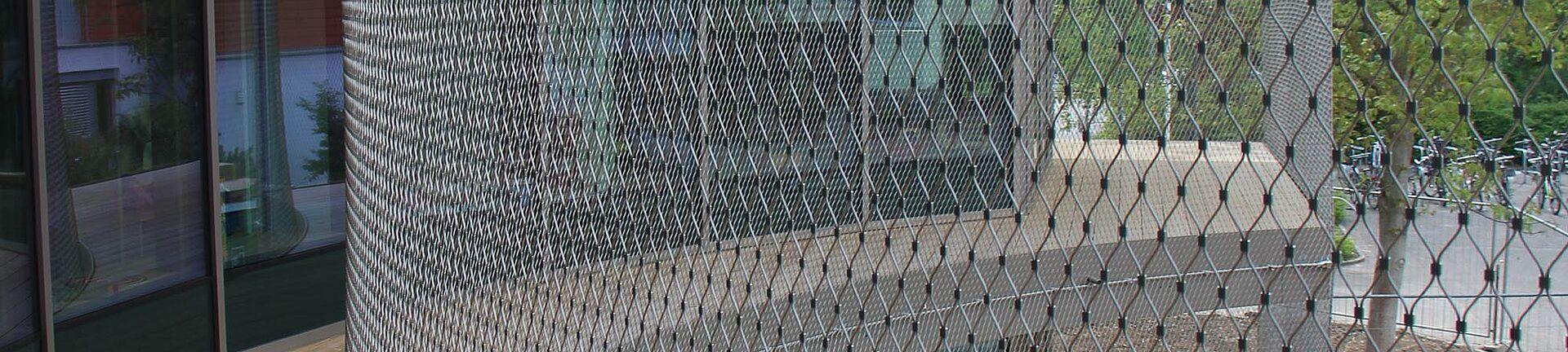 Absturzsicherung Fassade X-TEND Edelstahl-Seilnetz