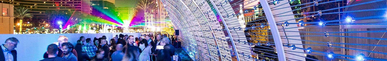 Longbeach,-Rainbow-Bridge-X-LED-LED-Lichtdesign-Carl-Stahl-Architektur