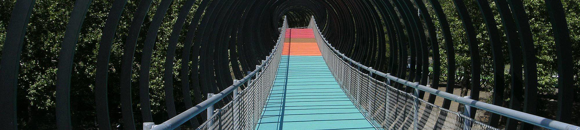 X-TEND Edelstahl-Seilnetz Brücke