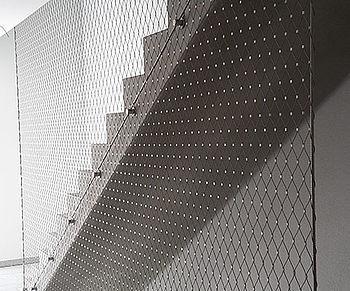 Vertikale Sicherungen X-TEND Edelstahl-Seilnetz