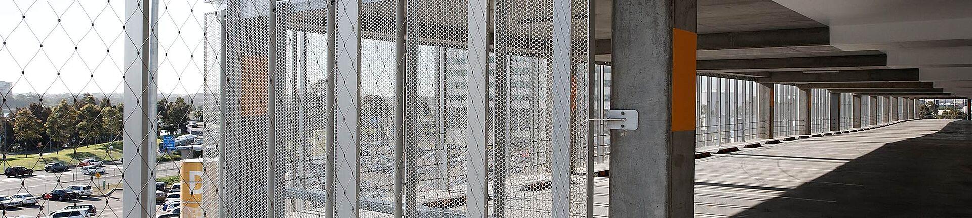 Parkhaus Absturzsicherung Netz X-TEND Edelstahl-Seilnetz