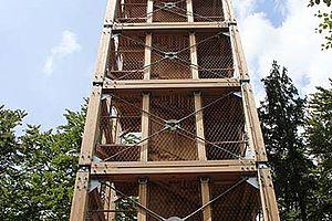 Ossingerturm  Königstein Fassadensicherung Treppensicherung Absturzsicherung Carl Stahl Architektur X-TEND Edelstahl-Seilnetz I-SYS Edelstahl Seile