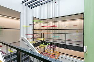 I-SYS Edelstahl-Seilsystem Dekoration Seiltragsysteme Carl Stahl Architektur Klinikum Haar
