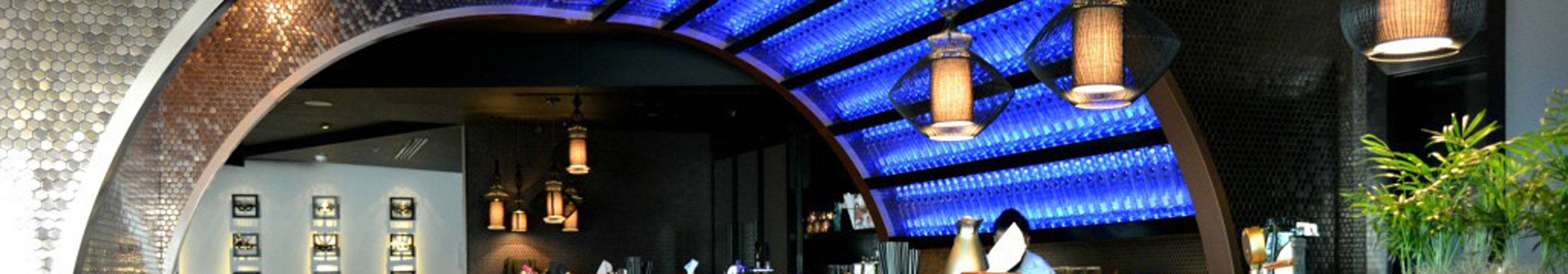 X-LED Lichtdesign Bar Dekoration Carnival by Tresind Dubai