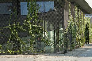 Berlin Passivhaus Engeldamm Carl Stahl Architektur Edelstahlseilnetz Begrünung