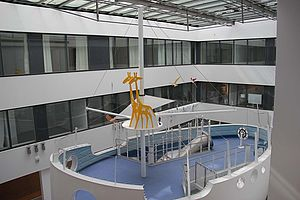 Arche-Olga-Hospital-Stuttgart-X-TEND-Edelstahlseilnetz-Absturzsicherung