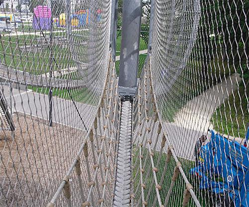 Spielgeräte Absturzsicherung Edelstahl-Seilnetz X-TEND