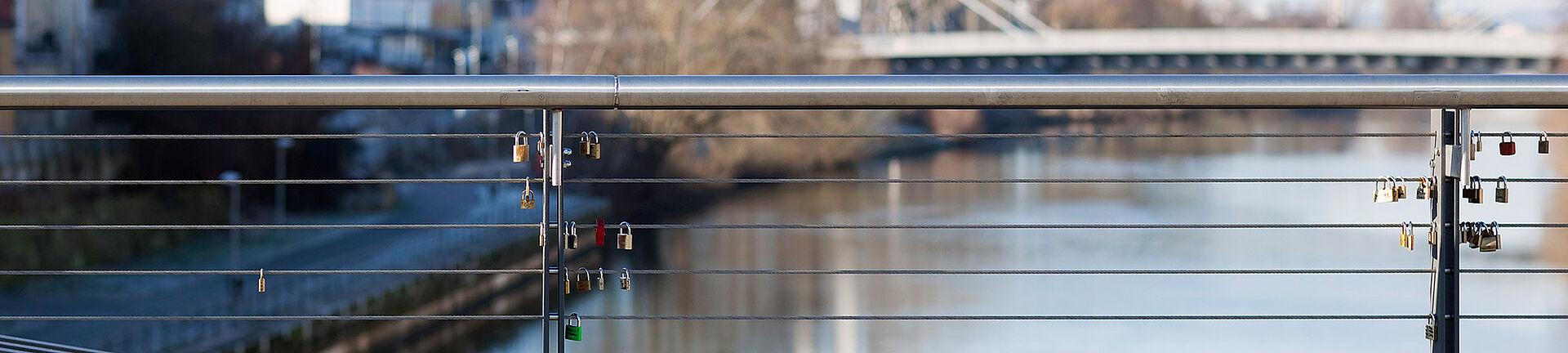 Kettenbrücke Bamberg I-SYS Edelstahl-Seilsysteme Geländerfüllung