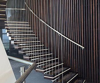 Abhängung Treppenstufen Edelstahlseil I-SYS