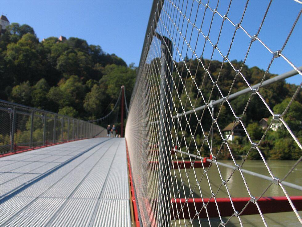 X-TEND Geländerfüllung Netz Edelstahl Brücke