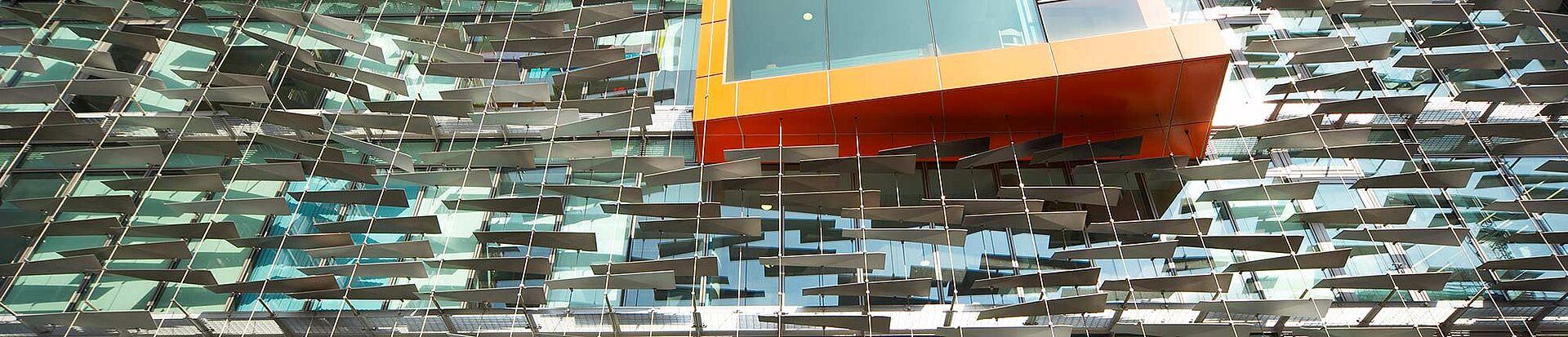 illuminierte Fassade I-SYS Edelstahl-Seilsystem