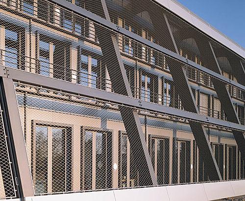 X-TEND Netz Fassade an Randrohr Carl Stahl Architektur