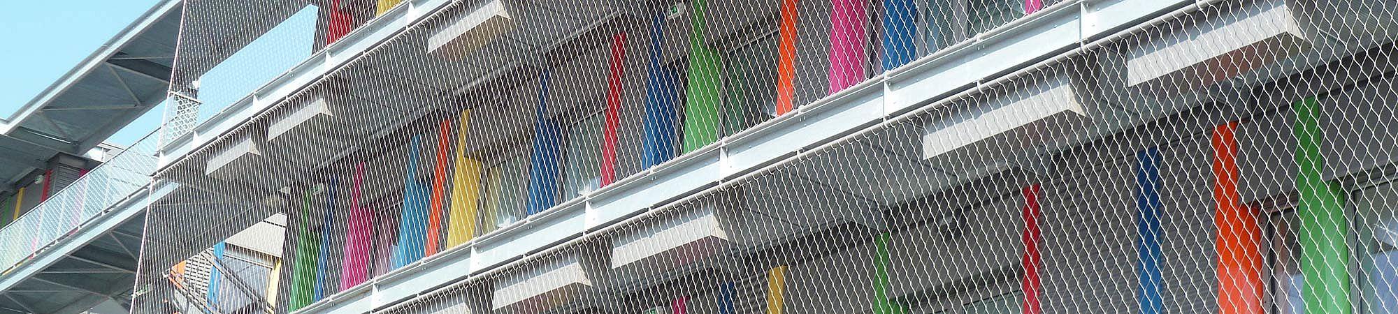 Fassade Absturzsicherung Netz X-TEND Edelstahl-Seilnetz